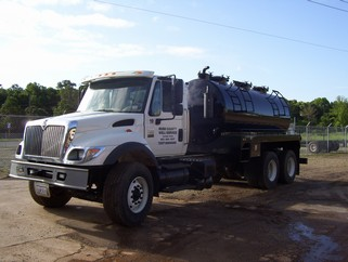 vacuum trucks oilfield vacuum trucks septic trucks dump trucks water vacuum trucks for. Black Bedroom Furniture Sets. Home Design Ideas